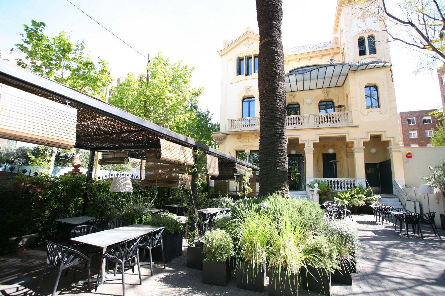 Restaurante en barcelona nuevo dos torres for Lavadero terraza
